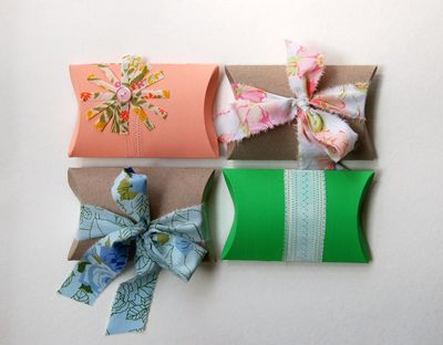 Delaney gates blog pillow boxes april 12 2012 b